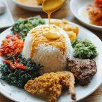 Nasi Padang porsinya lebih sedikit kalau makan di tempat ?